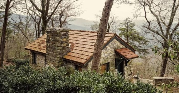 10 cozy cabins in alabama that are perfect for a fall getaway Alabama State Parks With Cabins