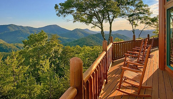 15 best smoky mountain getaways for a perfect cabin vacation Smoky Mountain Cabins Gatlinburg