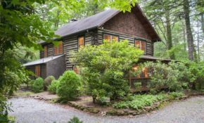 375 upper lake rd highlands nc 28741 3 bed 3 bath single family home mls 88148 38 photos trulia Cabins In Highlands Nc