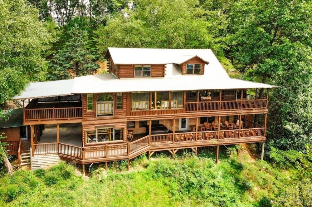 4 tips for a fun vacation in our pet friendly cabins in Pet Friendly Cabins Sevierville Tn