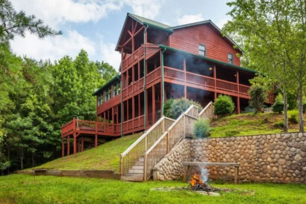 carters lake lodge beautiful log home sleeps 18 ellijay Cabins In Ellijay