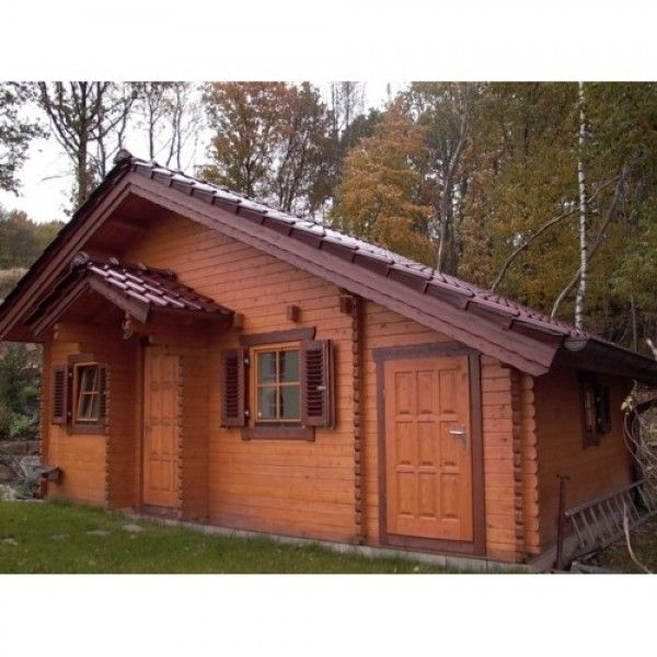deluxe laura log cabin this chalet is constructed from Logspan Log Cabins