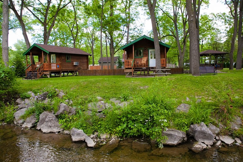 hope no one reads this review of finger lakes log cabin Watkins Glen Cabins