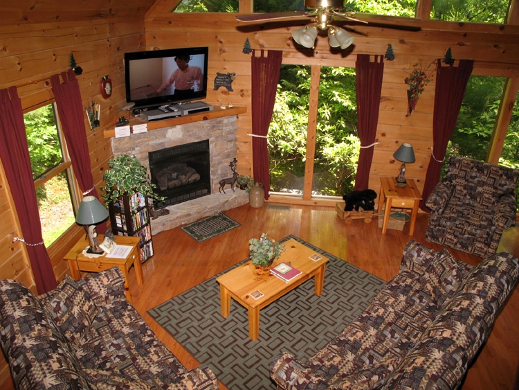 lazy daze lodge 3 bedroom cabin in gatlinburg 3 Bedroom Cabins In Gatlinburg