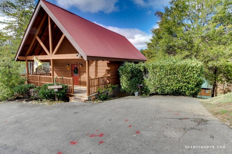 lovely pet friendly cabin rental near the great smoky mountains tennessee Pet Friendly Cabins Sevierville Tn