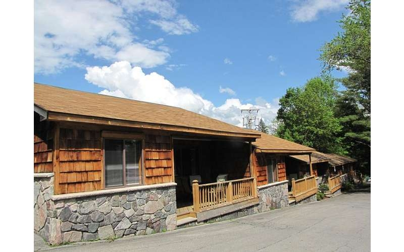 pet friendly lodging in lake george find cabins cottages Lake George Pet Friendly Cabins