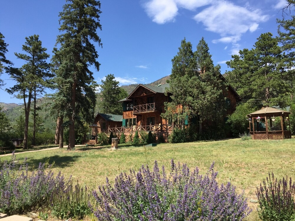 rocky mountain lodge cabins in colorado springs hotel Rocky Mountain Lodge & Cabins