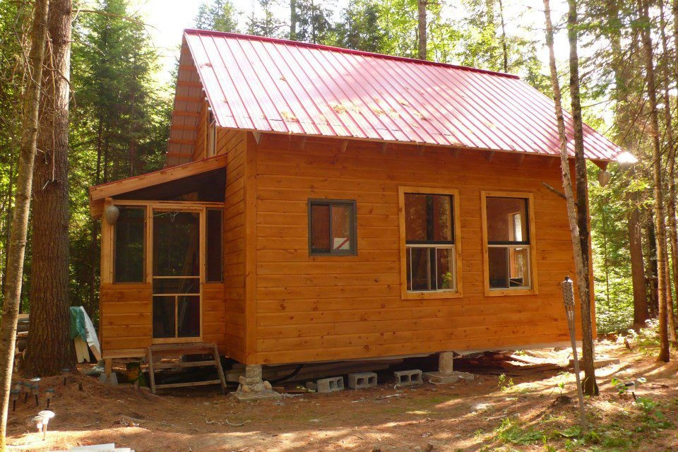 small cabin in the woods living the simple life off the grid Best Small Cabin Pictures