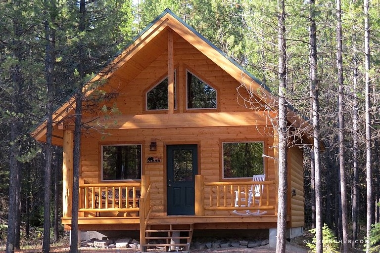 spacious family cabin near the stunning landscapes of glacier national park montana Cabins Near Glacier National Park