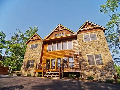 vrbo 552589 pemberley manor 7 bedroom cabin with 7 Bedroom Cabins In Gatlinburg