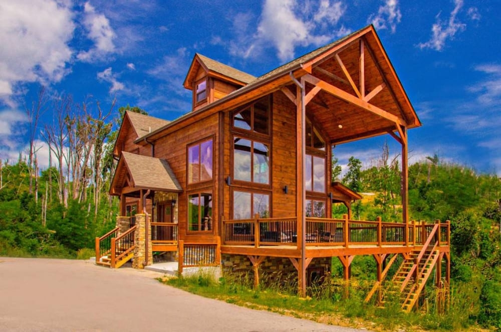 why are cabins the best places to stay in gatlinburg for Best Cabins To Stay In Gatlinburg