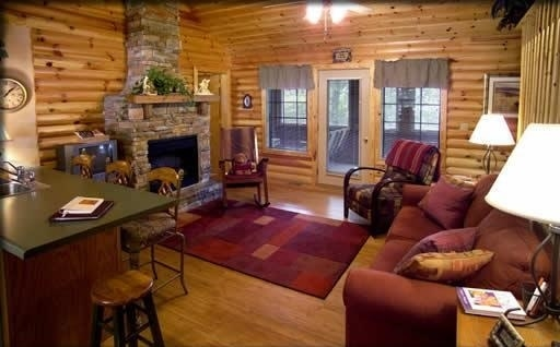 why branson log cabins are best for summer vacation Thousand Hills Cabins
