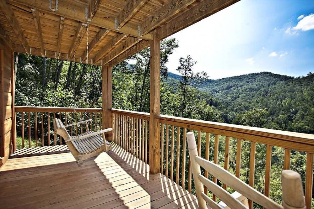 6 secluded luxury cabins in gatlinburg tn perfect for your Secluded Honeymoon Cabins