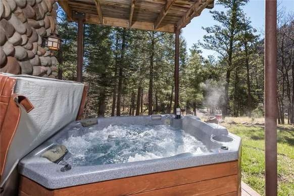 book bear foot lodge two bedroom cabin with hot tub in Ruidoso Nm Cabins With Hot Tubs