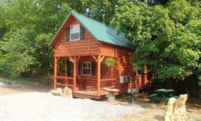 classic log cabin ideal for a getaway in shawnee national forest illinois Shawnee National Forest Cabins