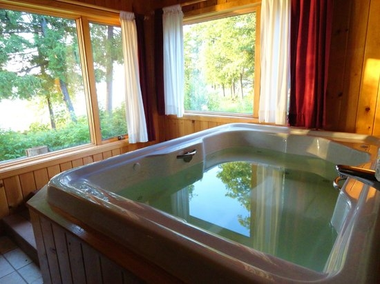 hot tub in romantic cottage picture of gunflint lodge Romantic Cabin Getaways With Hot Tubs