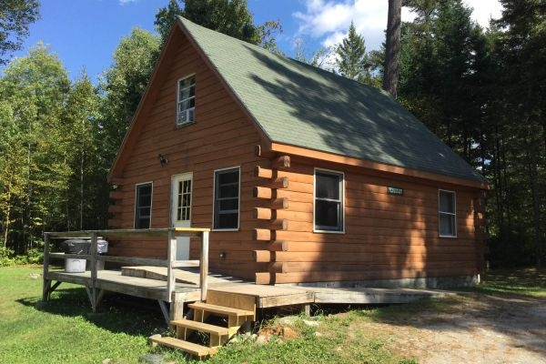 maine cabin rentals kennebec riverfront log cabins the Three Rivers Cabins