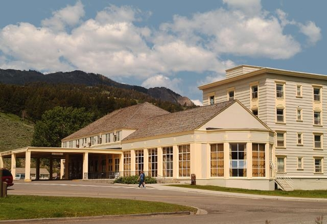 mammoth hot springs hotel cabins yellowstone travel Mammoth Hot Springs Hotel & Cabins