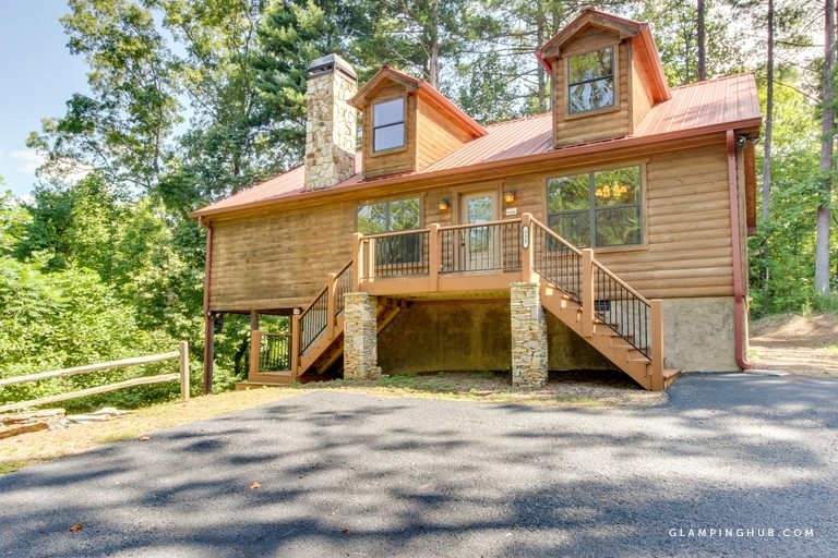 pet friendly luxury mountain cabin with a sauna near helen georgia Pet Friendly Cabins In Georgia