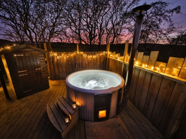 romantic cabin with private hot tub in the staffordshire Romantic Cabin Getaways With Hot Tubs