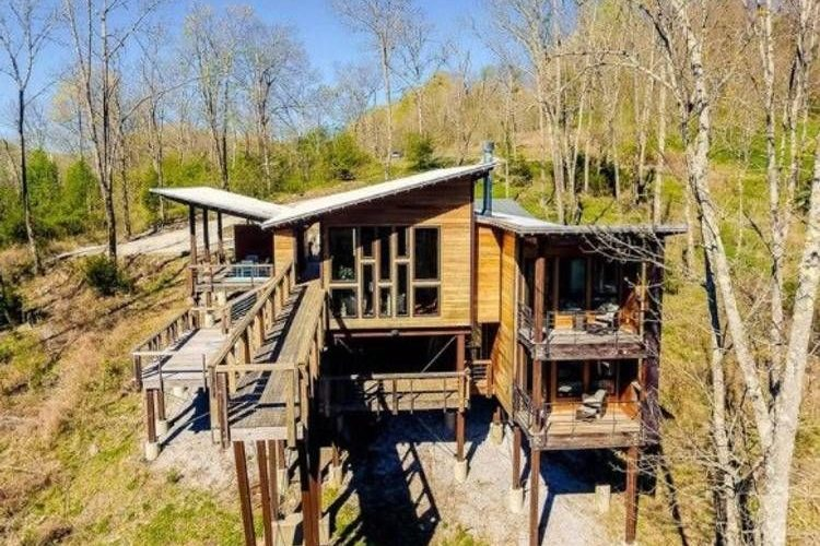 the treehouse of center hill lake cabins for rent in Center Hill Lake Cabins