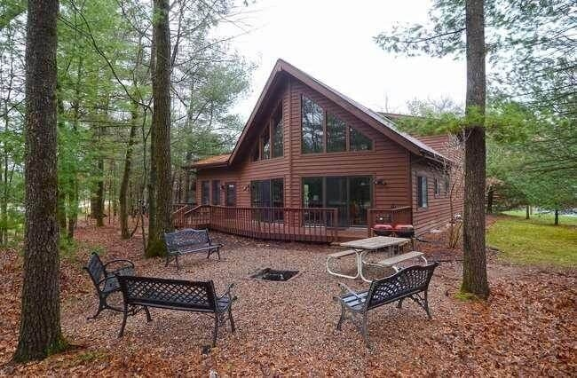 bearclaw cabin wisconsin dells log cabin rental from Wisconsin Dells Log Cabin Rentals