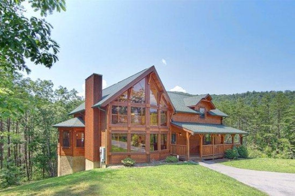 beautiful family owned luxury cabin minutes from the heart of pigeon forge tn pigeon forge Luxury Cabins In Tennessee