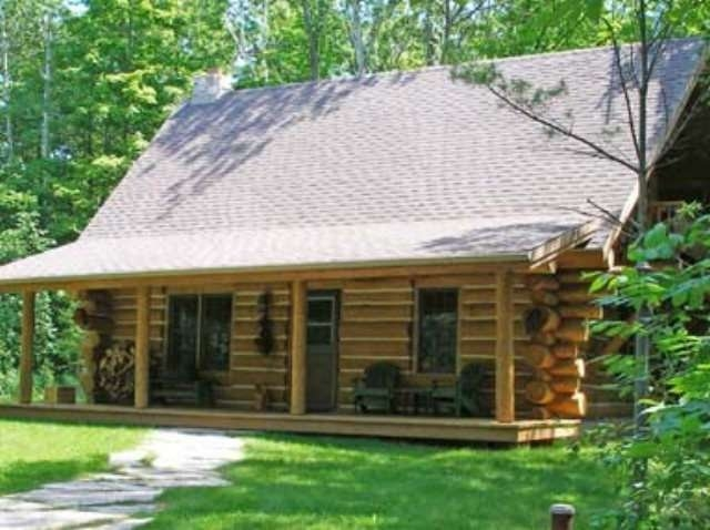 egg harbor log cabin door county has parking and wi fi Door County Cabin