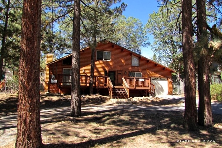 pet friendly lakefront cabin near ski slopes in big bear lake california Pet Friendly Cabins In Big Bear