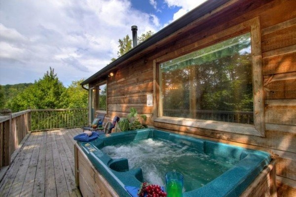 a dream romance a gatlinburg cabin rental Romantic Log Cabin Getaways With Hot Tub