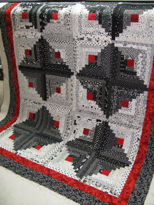 a beautiful black and white log cabin quilt dee locke Log Cabin Quilts
