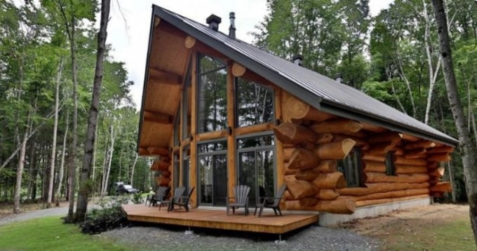 beautiful log cabin with charming interior log homes lifestyle Beautiful Log Cabins