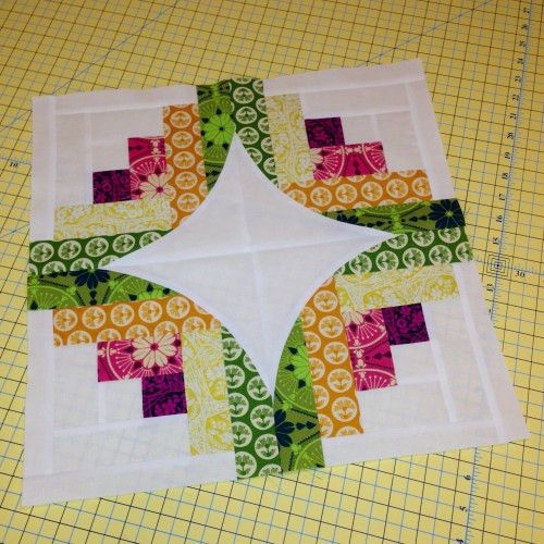 curve it up block 7 log cabin log cabin quilt blocks Log Cabin Quilt Layouts 7 By 7