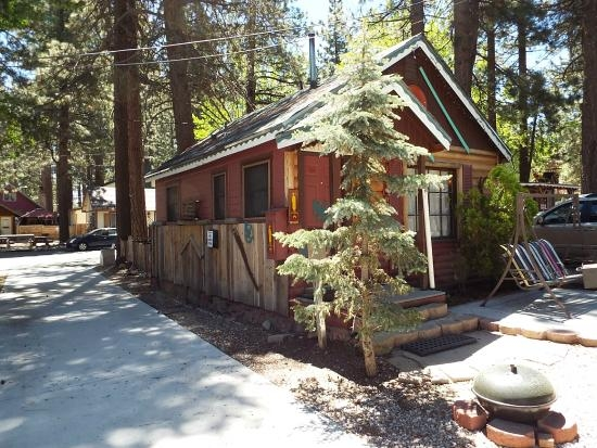 frontside of cabin picture of cabins4less big bear lake Cabins 4 Less Big Bear
