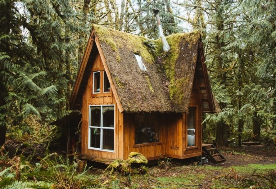 jacob witzling handcrafts off grid cabins with salvaged Cabin Wood