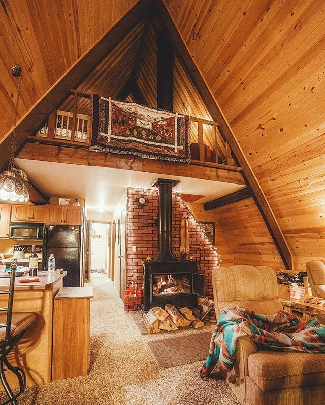 tag someone you would love to spend some time with in this Small Cabin Interior Ideas