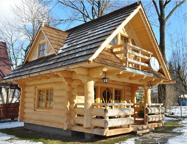 the perfect log cabin tiny log cabins little log cabin Tiny Log Cabins