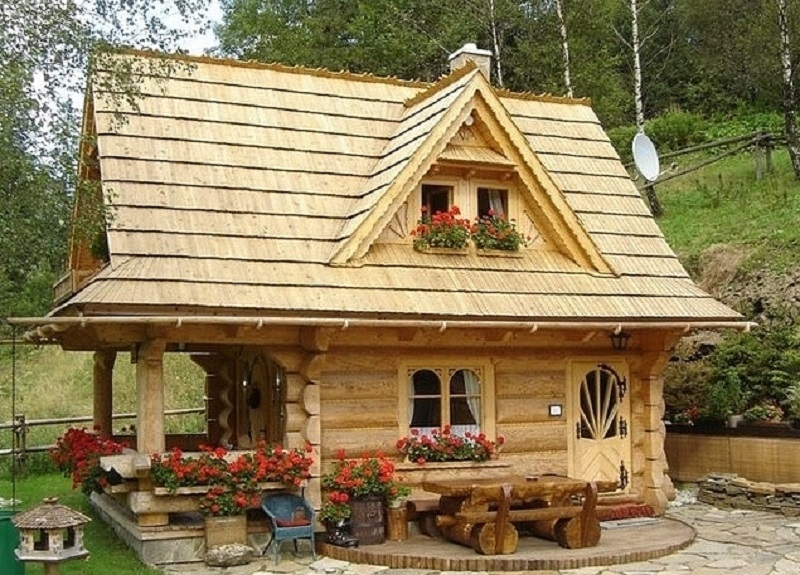 tiny log cabin super cute on the inside country living Tiny Log Cabin