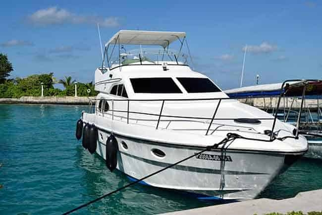 9 affordable boats with enclosed cabins with pictures Small Model Cabin Boats