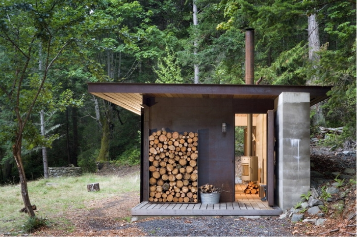 a master architect builds a tiny cabin in the pacific Modern Mini Cabin