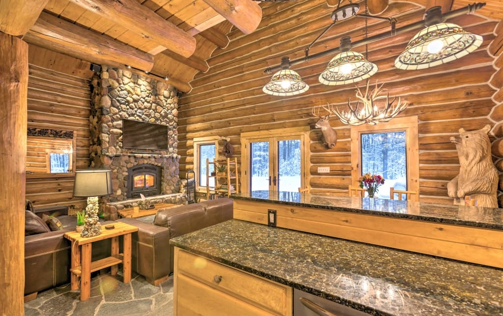 beautiful secluded cabin close to traverse city cabins for Traverse City Cabins