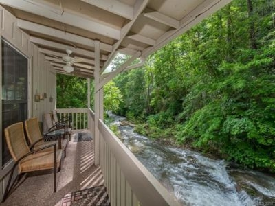 stay on the river in chimney rock and 5 min from beautiful lake lure bat cave Chimney Rock Cabins