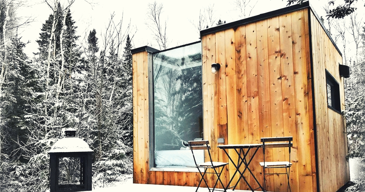 you can rent these amazing modern mini cabins in quebec this Modern Mini Cabin
