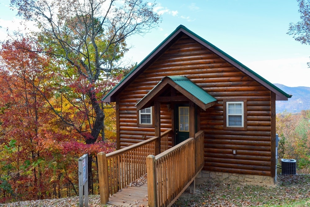 2418 wears valley 1 br cabin in sevierville hotel rates Comfy Cottage Cabin Wears Valley Tn