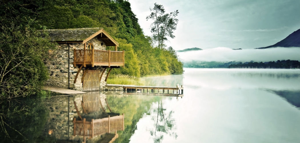 6 affordable airbnb getaways on the most beautiful lakes in Lake Cabin Airbnb