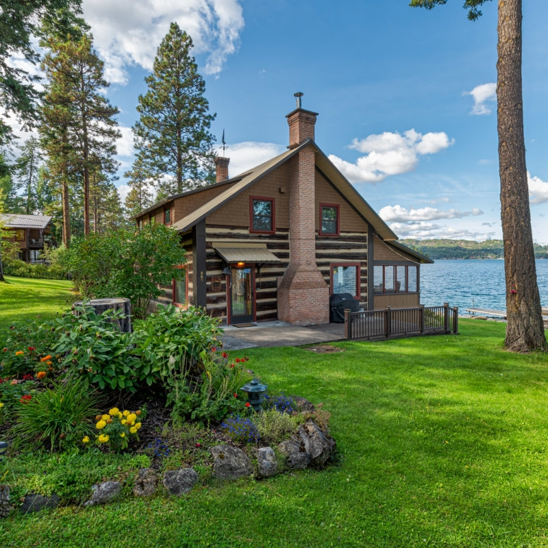 cabins for sale in the west six you can buy right now Lake Cabins For Sale In Oregon