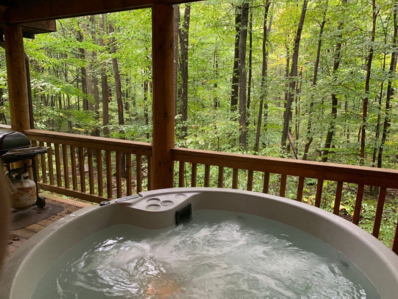 cabins with hot tubs nightime scenery mountain creek Cabin Cottage With Hot Tub