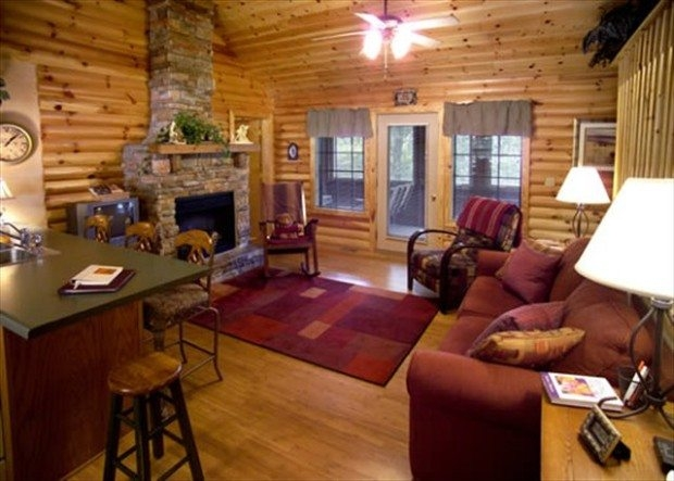 large group cabins in branson mo for 6 to 38 guests Lake Cabin Branson Mo