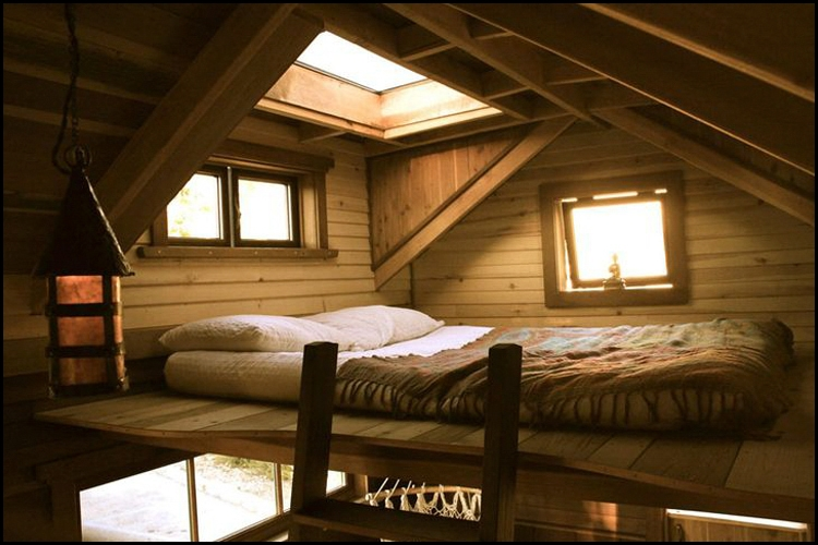 living big in a tiny house 12 beautiful creative tiny Cottage Cabin Bed