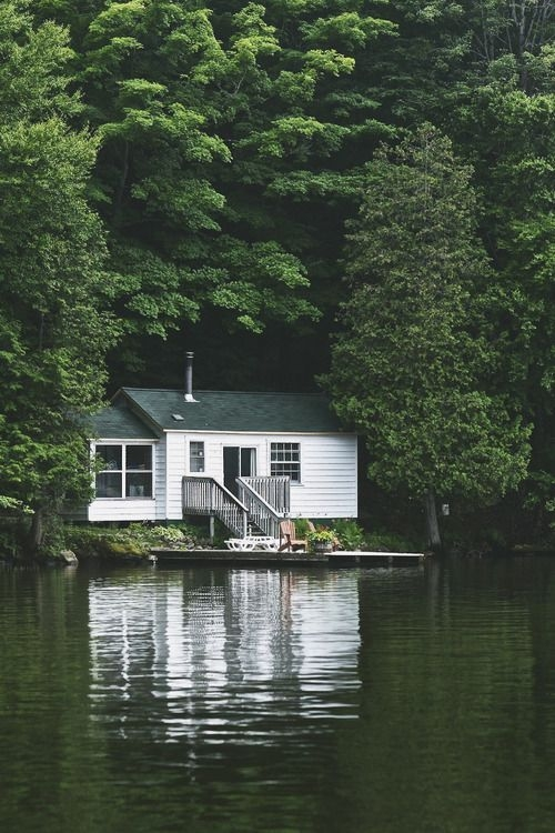 summer getaway lake house cabins and cottages cabins in Lake Cabin Dishes